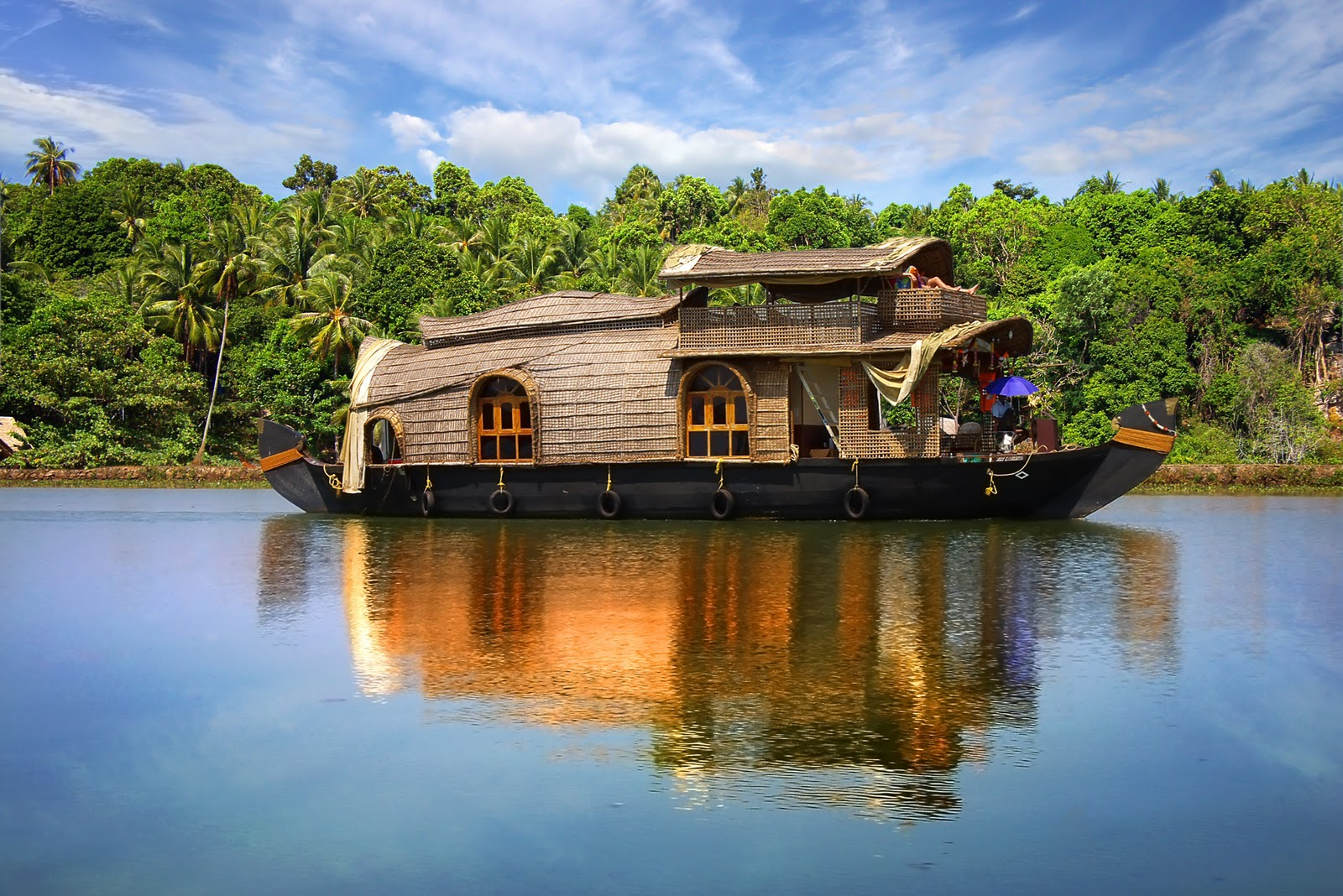 53_Luxury-Boat-in-Kerala.jpg